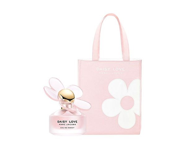 5a8d00d948 Free gift. Receive a free tote bag when you buy selected Marc Jacobs  fragrance