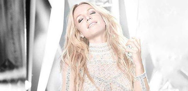 000377_fragrance_celebrity_05b_britney-spears_10219599_lifestyle